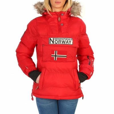Geci Geographical Norway Anson_woman Rosu